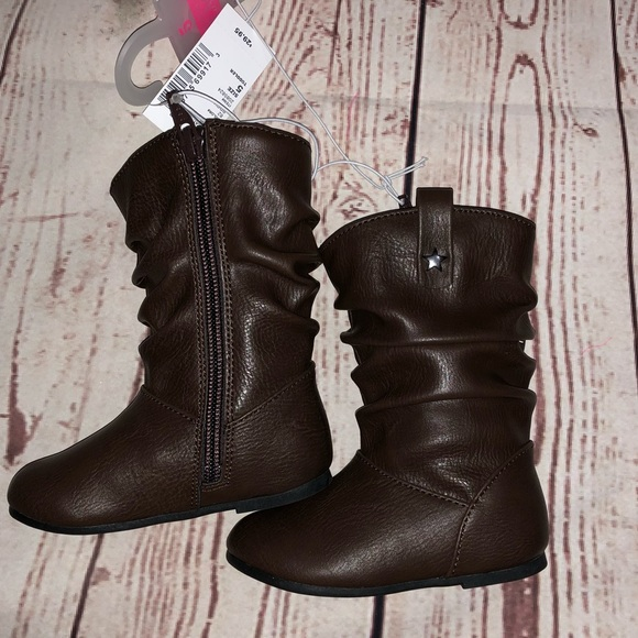 138d16ce4184 Girls boots size 5 slough sienna